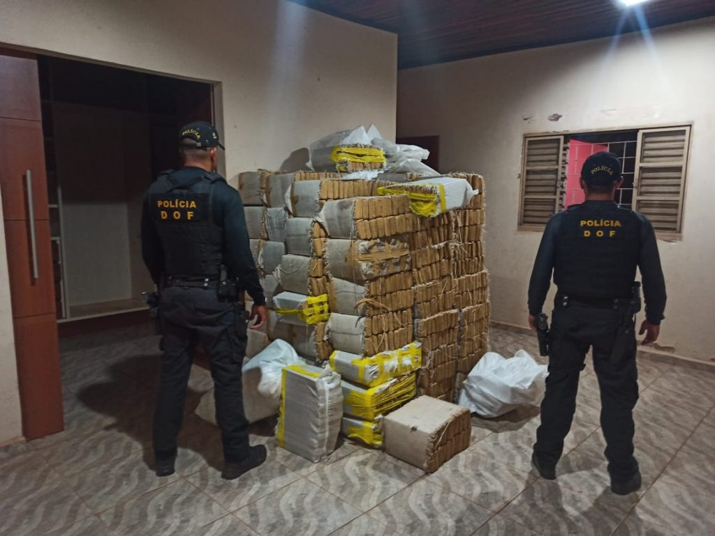 DOF fecha grande entreposto de droga na fronteira